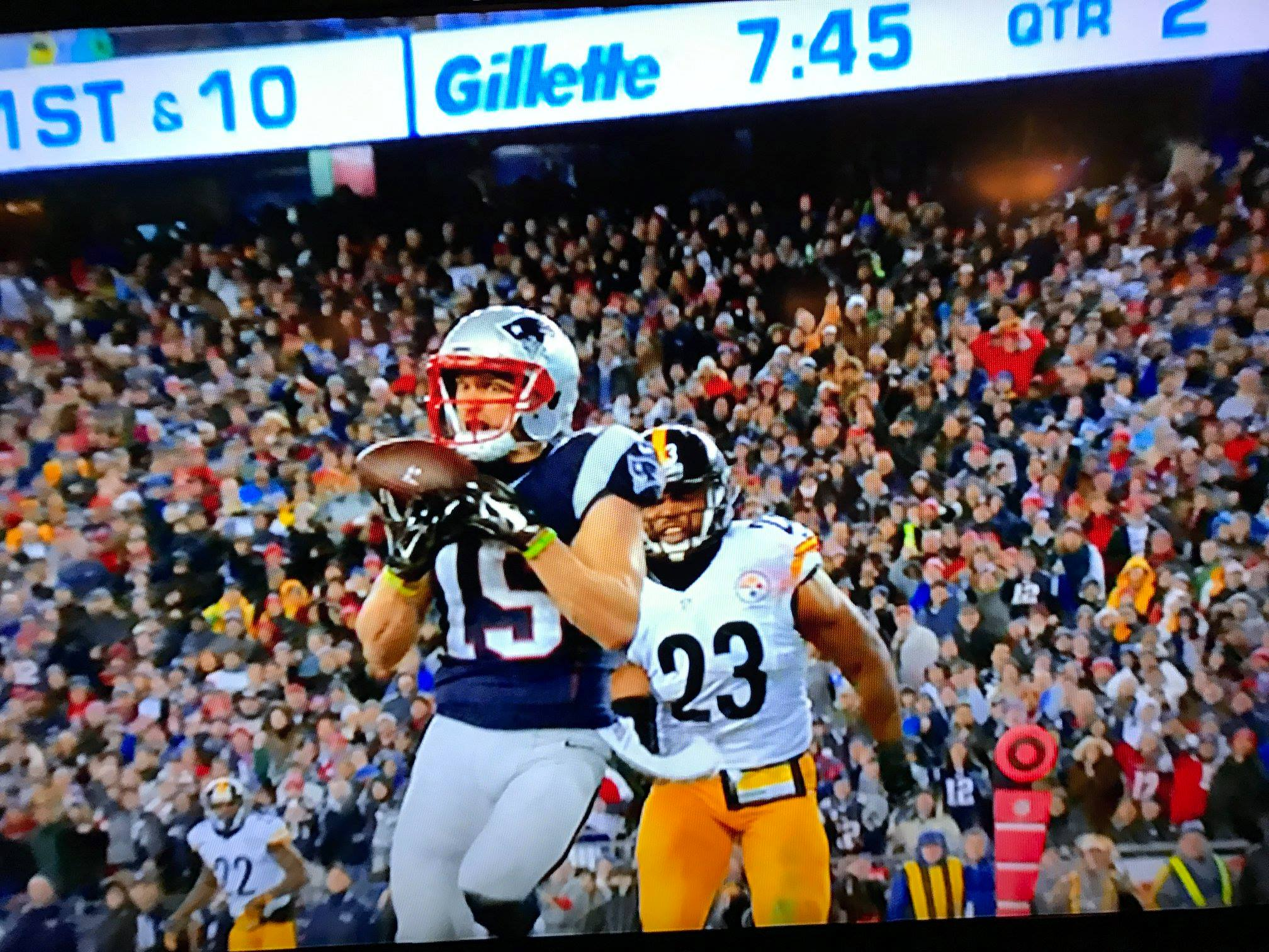 Photograph of Patriots catching ball